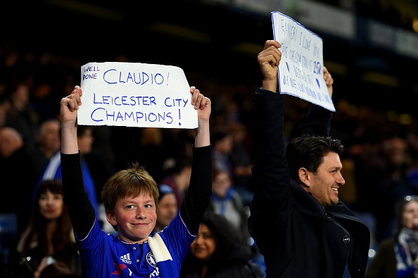 Chelsea hoa Tottenham 2-2, Leicester vo dich ngoai hang Anh hinh anh 13