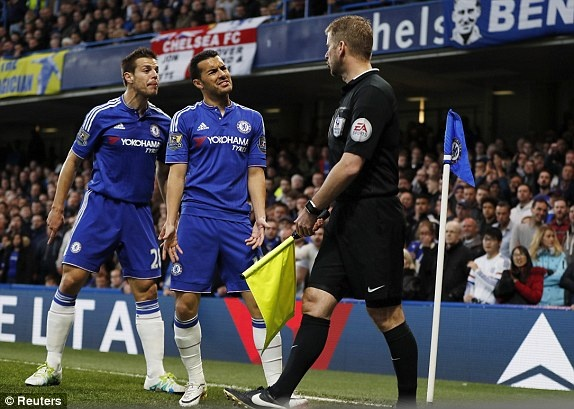 Chelsea hoa Tottenham 2-2, Leicester vo dich ngoai hang Anh hinh anh 6