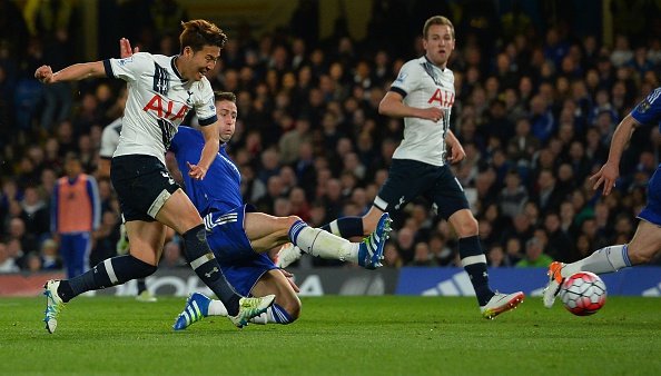 Chelsea hoa Tottenham 2-2, Leicester vo dich ngoai hang Anh hinh anh 9