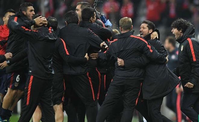 Atletico Madrid phan khich sau khi loai Bayern Munich hinh anh 5