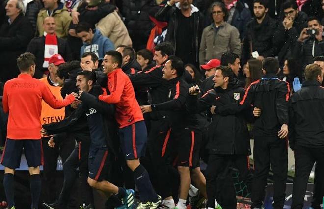 Atletico Madrid phan khich sau khi loai Bayern Munich hinh anh 6