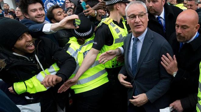 Ranieri: 'Leicester khong the tai hien chuc vo dich' hinh anh 1
