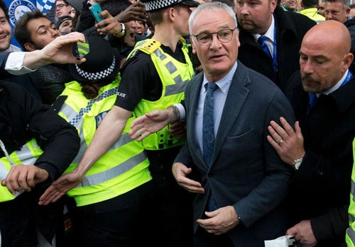 Ranieri: 'Leicester khong the tai hien chuc vo dich' hinh anh