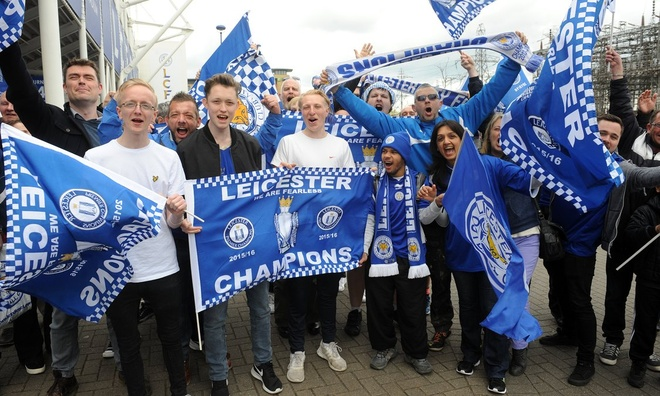 Fan Leicester duoc uong bia mien phi o tran gap Everton hinh anh 1