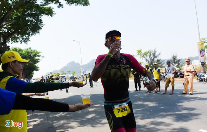 Ironman 70.3 Viet Nam - cuoc thi thu thach the luc cua VDV hinh anh 21