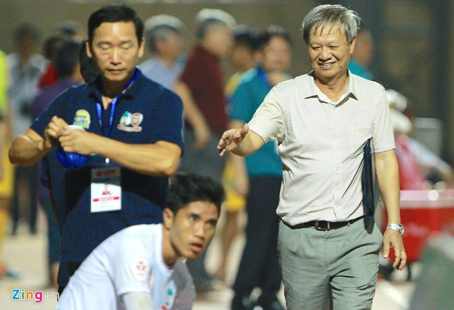 B.Binh Duong vs HAGL (5-0): Cong Vinh lap cu dup hinh anh 2