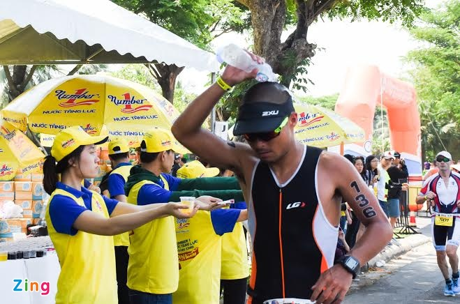 Ironman 70.3 Viet Nam - cuoc thi thu thach the luc cua VDV hinh anh 24