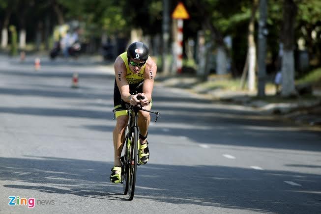 Ironman 70.3 Viet Nam - cuoc thi thu thach the luc cua VDV hinh anh 16