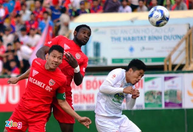 B.Binh Duong vs HAGL (5-0): Cong Vinh lap cu dup hinh anh 7
