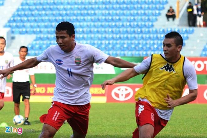 B.Binh Duong vs HAGL (5-0): Cong Vinh lap cu dup hinh anh 6