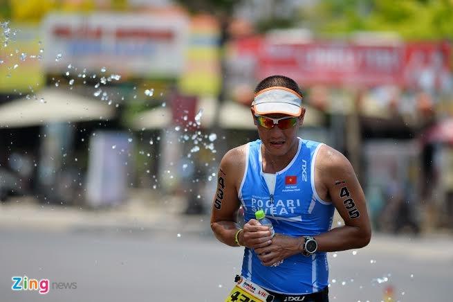 Ironman 70.3 Viet Nam - cuoc thi thu thach the luc cua VDV hinh anh 47