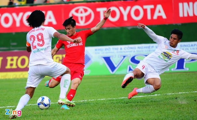 B.Binh Duong vs HAGL (5-0): Cong Vinh lap cu dup hinh anh 12