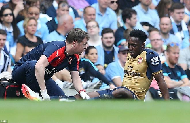 Arsenal hoa Man City 2-2, giup MU rong cua lot top 4 hinh anh 6