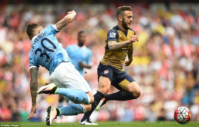 Arsenal hoa Man City 2-2, giup MU rong cua lot top 4 hinh anh 7