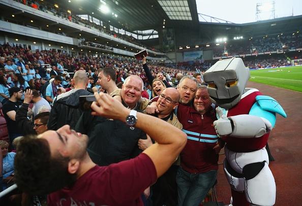 West Ham vs MU (3-2): 'Quy do' bo lo co hoi vao top 4 hinh anh 8