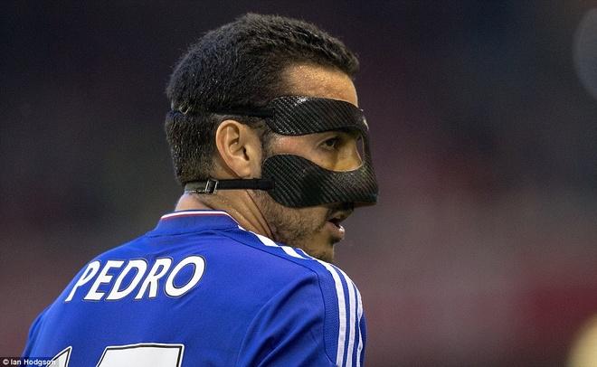 Liverpool thoat thua truoc Chelsea nho ban thang phut bu gio hinh anh 4