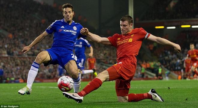 Liverpool thoat thua truoc Chelsea nho ban thang phut bu gio hinh anh 11