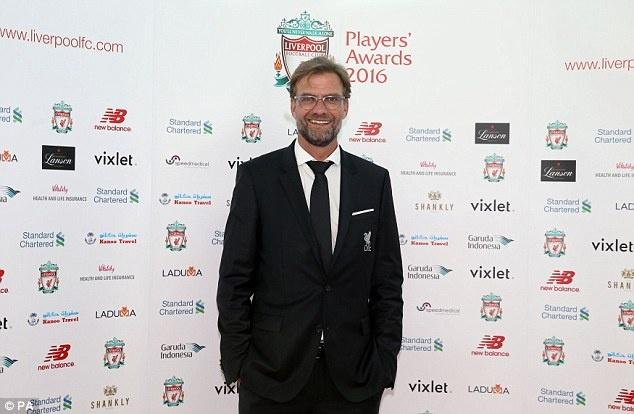 Coutinho gianh giai cau thu hay nhat Liverpool anh 5