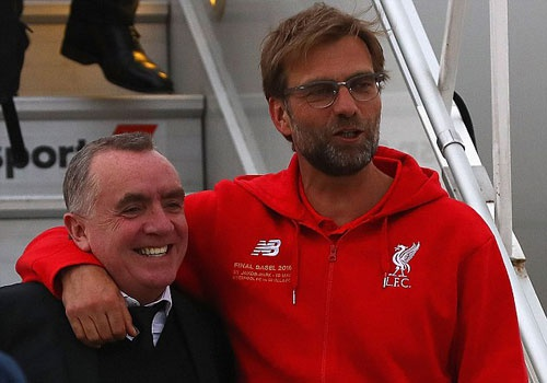 Liverpool len duong gianh cup vo dich Europa League hinh anh