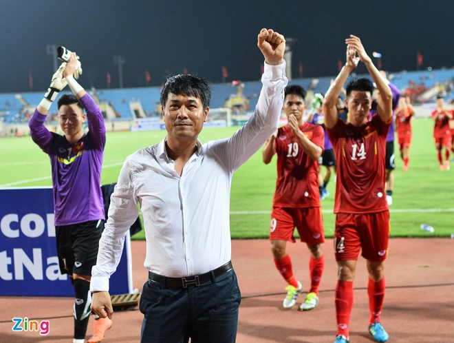 Cong Vinh va Van Quyet giup DTVN thang Syria 2-0 hinh anh