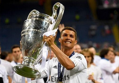 Ronaldo duoc bau cau thu hay nhat Champions League hinh anh