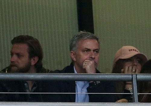 Mourinho chung kien cau thu MU giup DT Anh thang BDN 1-0 hinh anh