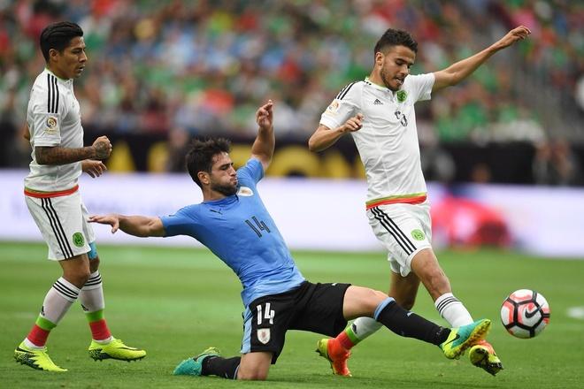 Uruguay vs Mexico (1-3): Trong tai rut 2 the do, 6 the vang hinh anh 11