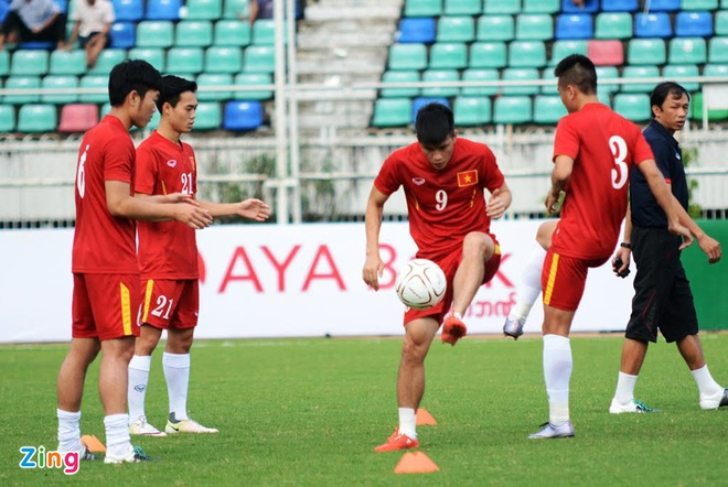 Tran DT Viet Nam vs DT Singapore anh 5