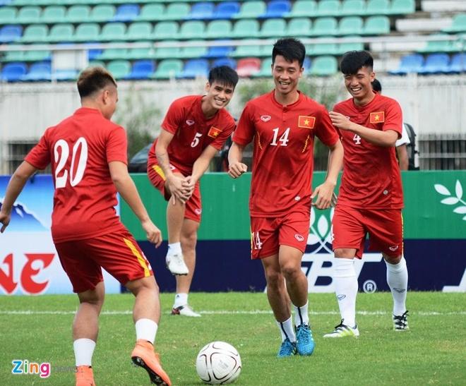 Tran DT Viet Nam vs DT Singapore anh 6
