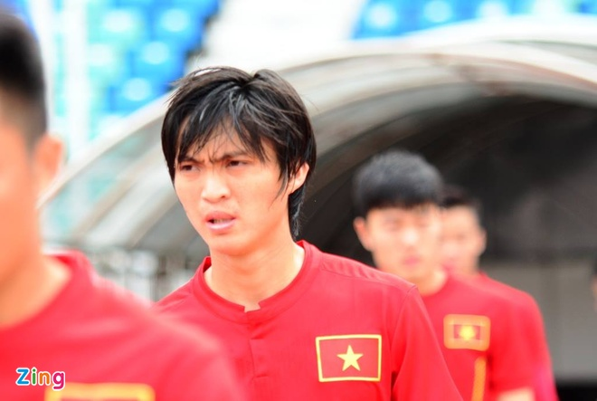 Tran DT Viet Nam vs DT Singapore anh 1