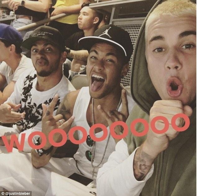 Neymar song nhu ong hoang o My hinh anh