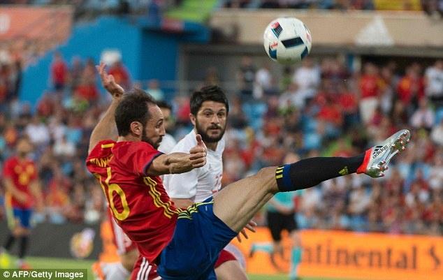 Nha vo dich Tay Ban Nha thua doi thu kem 131 bac truoc Euro hinh anh 1