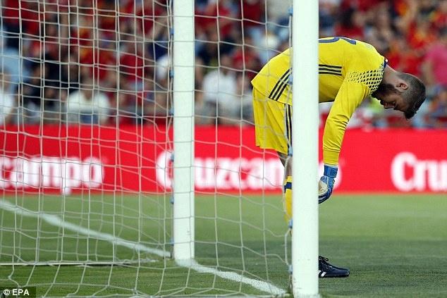 Nha vo dich Tay Ban Nha thua doi thu kem 131 bac truoc Euro hinh anh 2