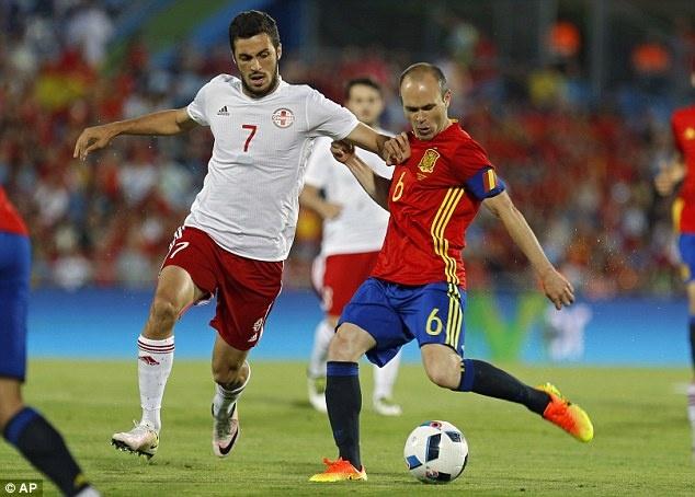 Nha vo dich Tay Ban Nha thua doi thu kem 131 bac truoc Euro hinh anh 3
