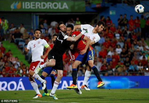 Nha vo dich Tay Ban Nha thua doi thu kem 131 bac truoc Euro hinh anh 8