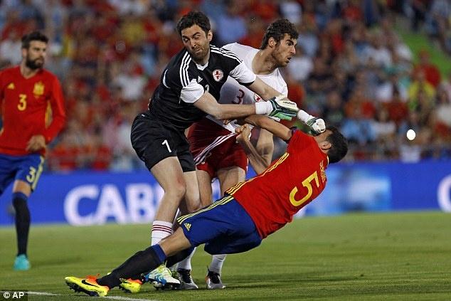 Nha vo dich Tay Ban Nha thua doi thu kem 131 bac truoc Euro hinh anh 6