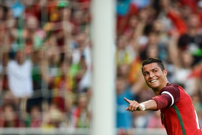 Ronaldo lap cu dup, DT Bo Dao Nha thang Estonia 7-0 hinh anh 6
