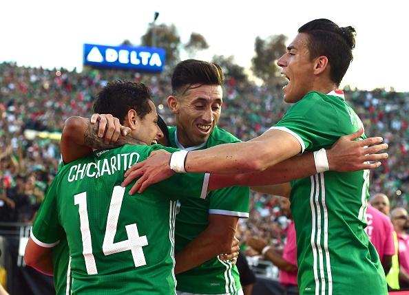Mexico vs Jamaica (2-0): Chicharito toa sang hinh anh 23