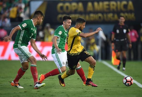 Mexico vs Jamaica (2-0): Chicharito toa sang hinh anh 22