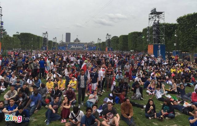 Khai mac Euro 2016: Cuong nhiet voi DJ va Zara Larsson hinh anh 22