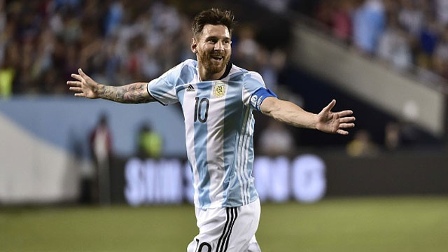 Argentina vs Panama (5-0): Messi lap hat-trick hinh anh