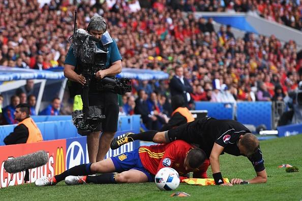 Tay Ban Nha vs CH Czech (1-0, KT): Pique toa sang hinh anh 18