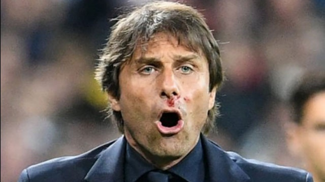 Antonio Conte chay mau mui vi an mung qua khich hinh anh