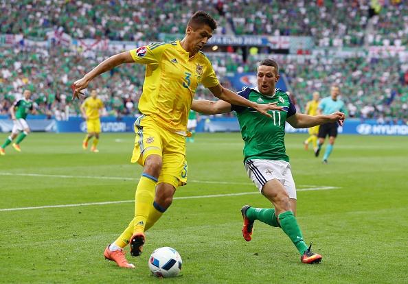 Ukraine vs Bac Ireland (0-2): Chien thang lich su hinh anh 4