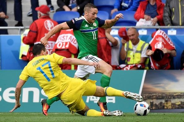 Ukraine vs Bac Ireland (0-2): Chien thang lich su hinh anh 5