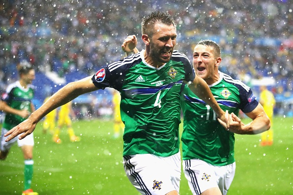 Ukraine vs Bac Ireland (0-2): Chien thang lich su hinh anh 8