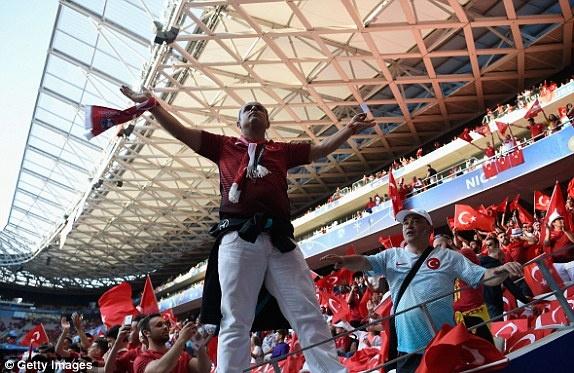 Tay Ban Nha vs Tho Nhi Ky (3-0): Morata lap cu dup hinh anh 7