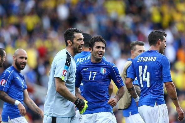 'Italy thang nho chay va lan xa vao doi thu' hinh anh 1