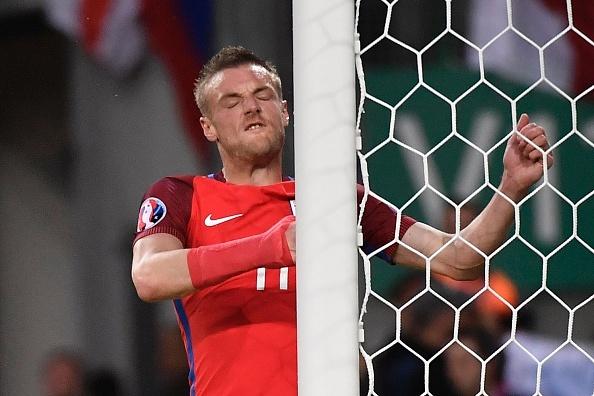 Anh vs Slovakia: Joe Hart noi dien vi Smalling hinh anh 16