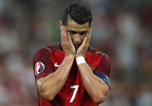 Ronaldo tu that vong den phan khich khi vao ban ket Euro hinh anh